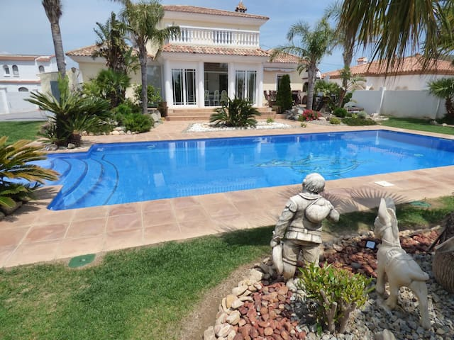 Villa Harley Miami Playa