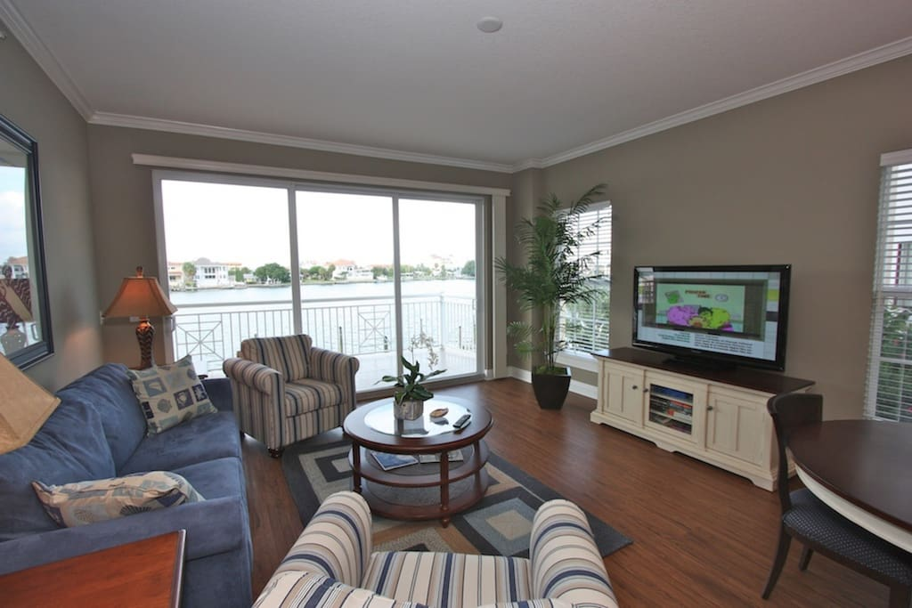 Spacious Open Living Room Area with Sleeper Sofa/Flat Screen Cable TV/Intercoastal Water View