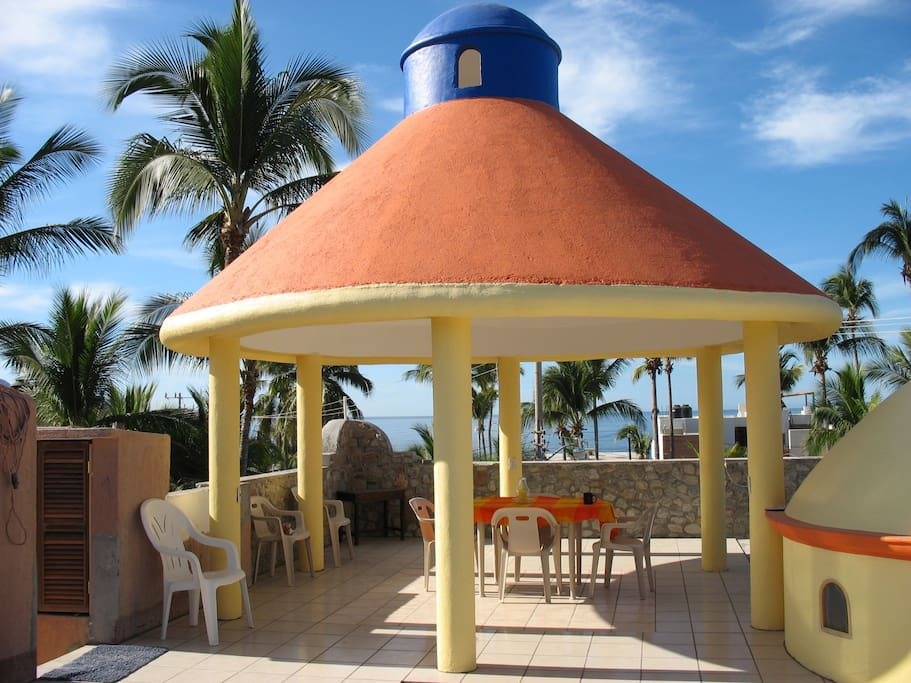 Private oceanview deck w/palapa