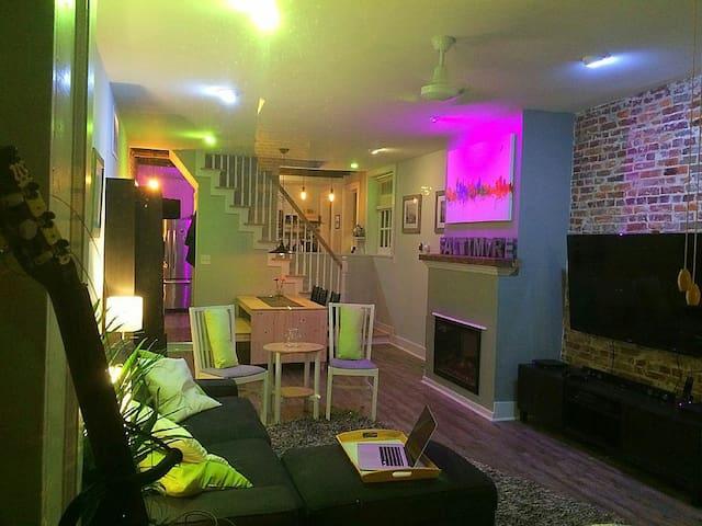 Luxury Downtown Smart Home - Elkridge