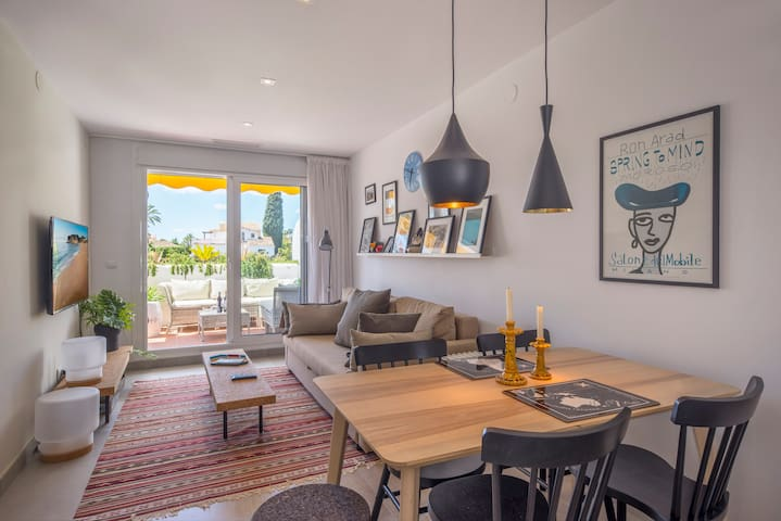 Modern 2 bedroom by Puerto Banus with views