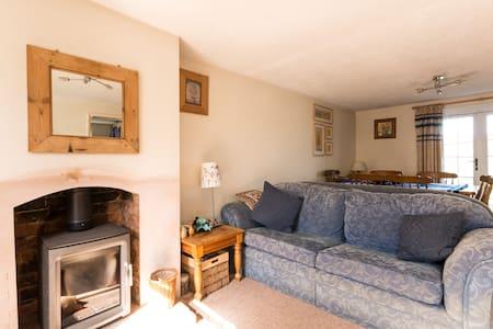 Quiet double room in Stroud - Stroud - Bed & Breakfast