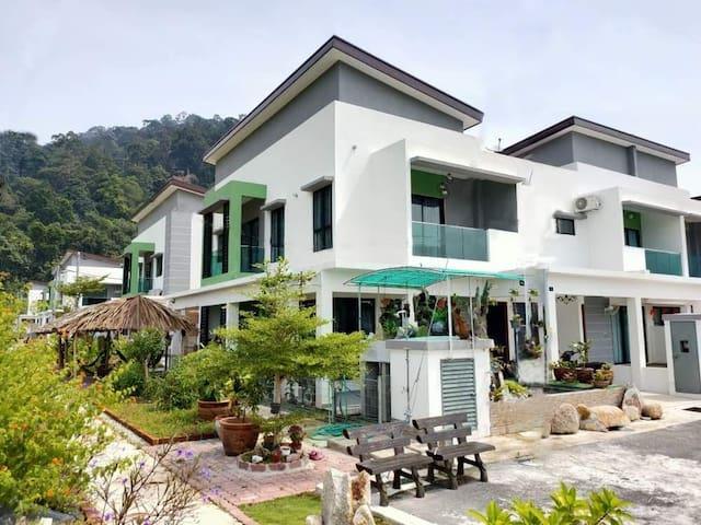 Corner Villas @ Pangkor 88 Resort Villa - 邦咯海边度假屋