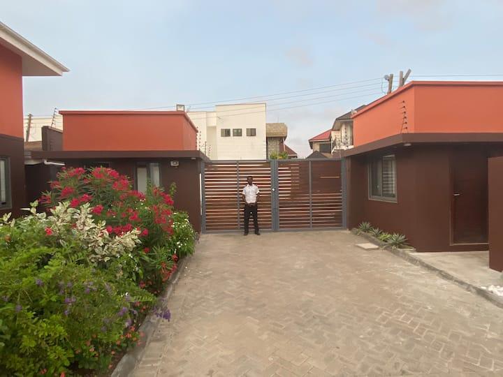 Brand New Luxury Town House close to Labadi Beach