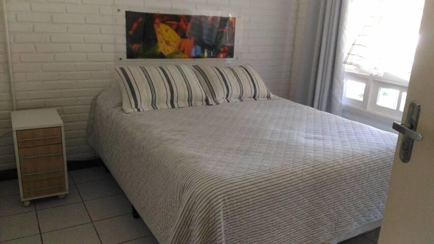 Suíte cama de casal box