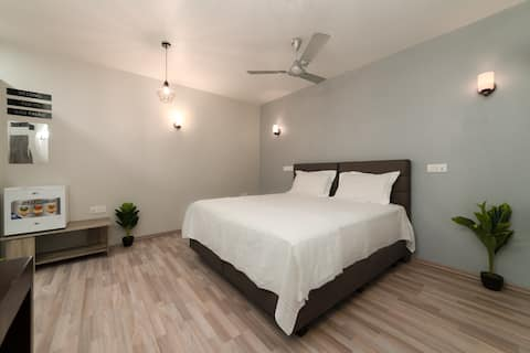 Comfortable Room Close to Beach