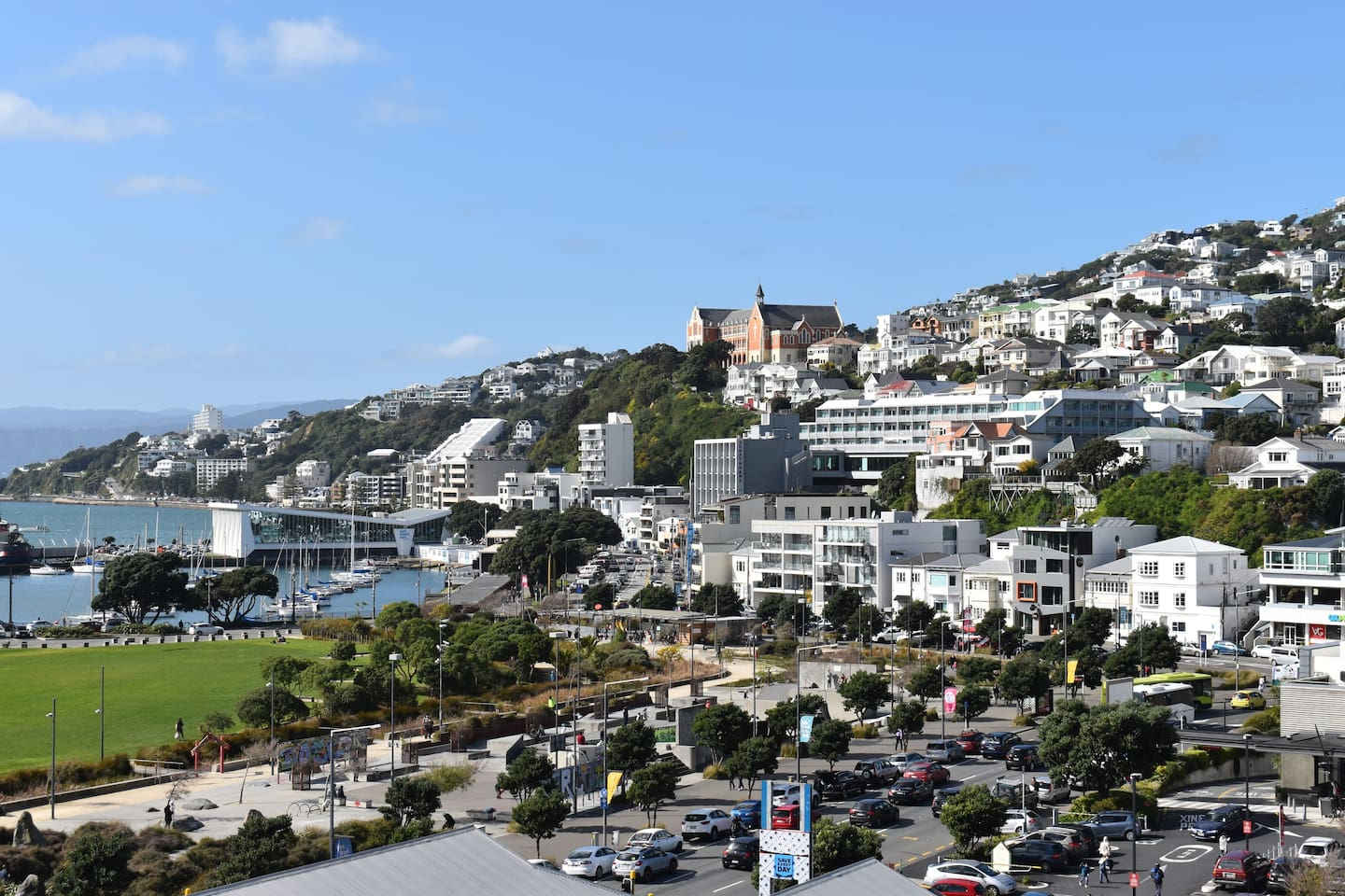 Lovely views of Wellington's waterfront and hills