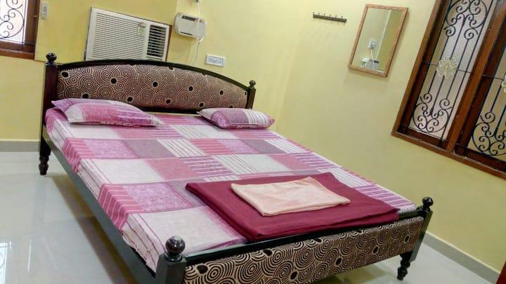 T. Nagar Pondy Bazaar Private AC Room With Kitchen