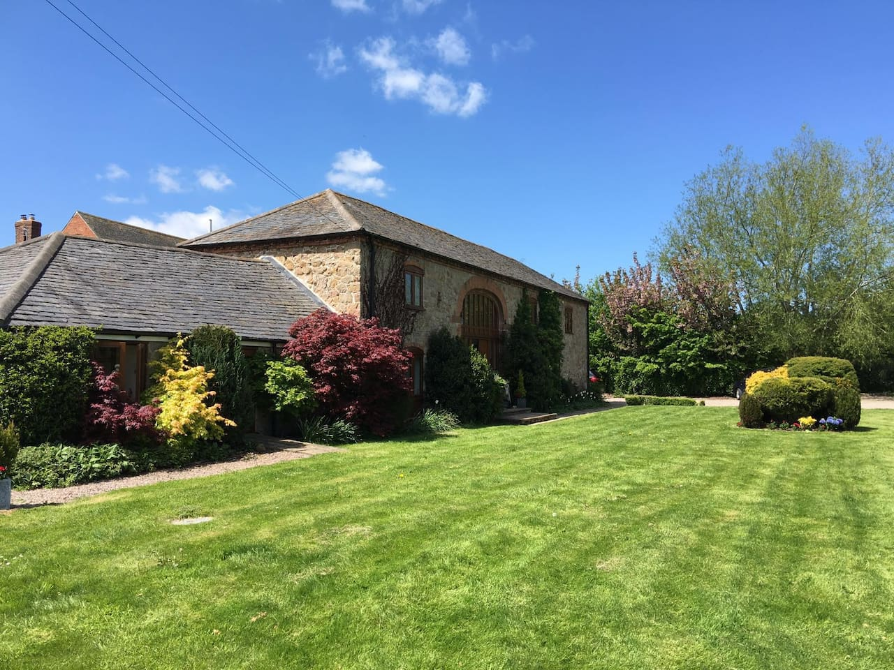 Stunning, quiet rural location in character barn conversion.