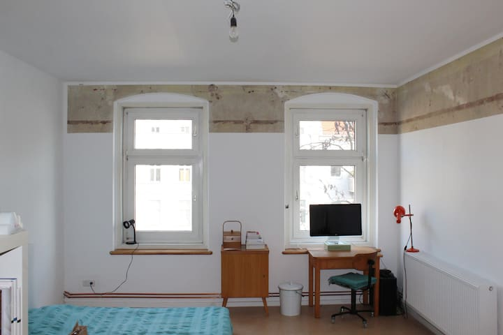 A lovely room for two in hip hip Neukölln