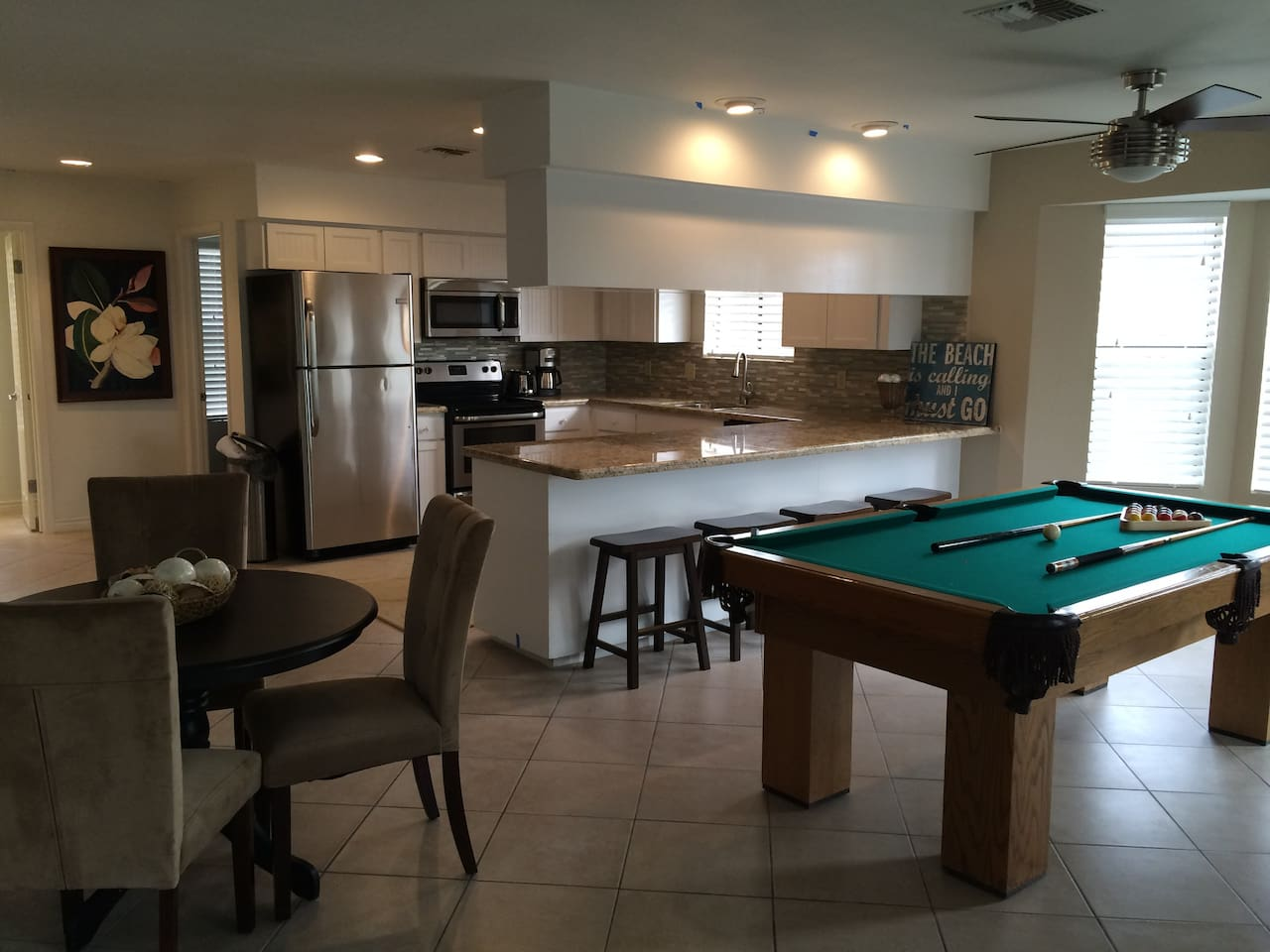 Large Upgraded SPITX Beach House Plus Pool Table Houses For Rent - Pool table rental dallas
