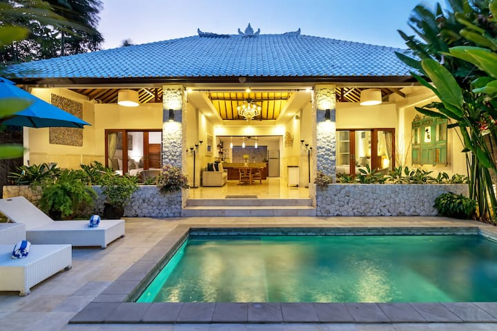 Amazing Villa Blue Seminyak - Private 3BR w/ Pool