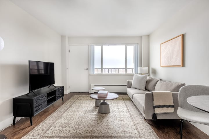 Spacious Highland 1BR, near Highland Park & Downtown by Blueground