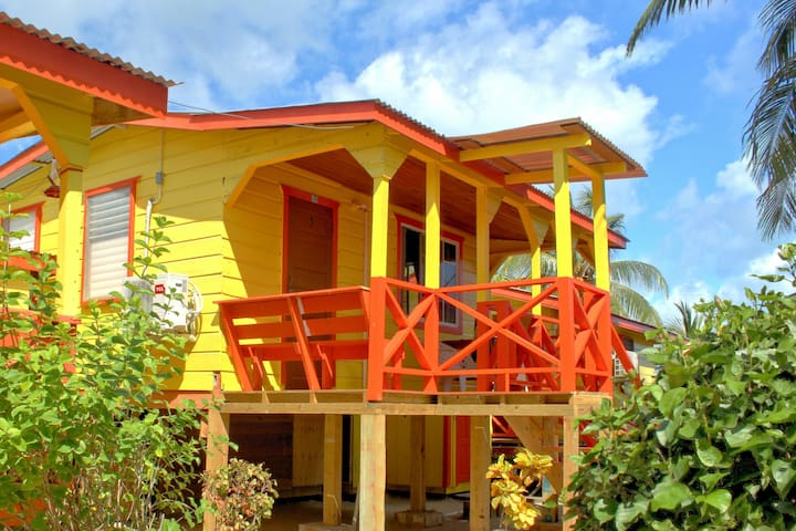 Julia's Cabanas: Ocean View Cabana #5