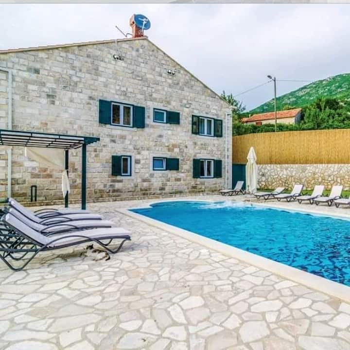 Villa with 6 bedrooms in Dubravka, Konavle, with wonderful sea view, private pool, furnished terrace - 15 km from the beach