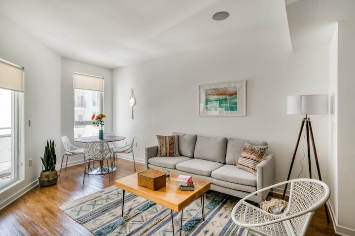 Refined 1BR in Glendale with Tons of Amenities