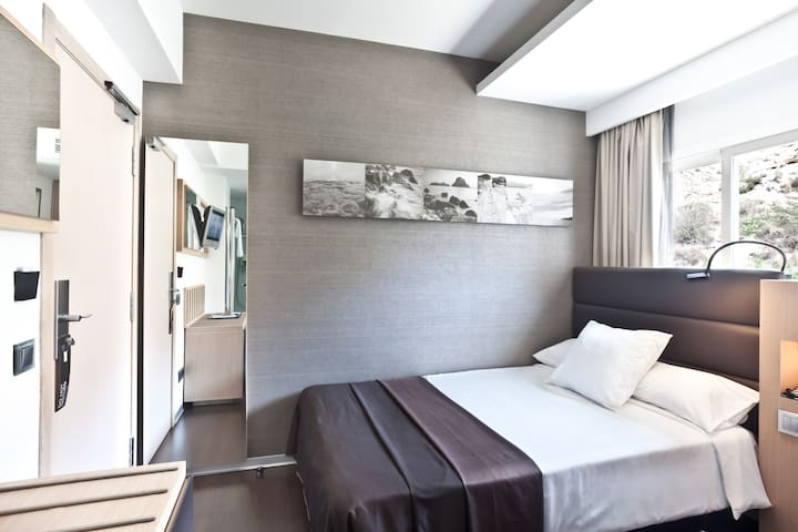 Deluxe Single Room at Hotel OD Ocean Drive