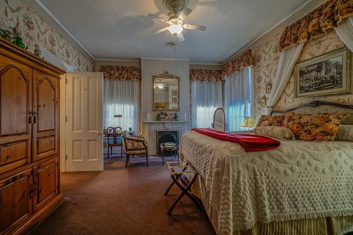 Rose Room at Pinehill Inn
