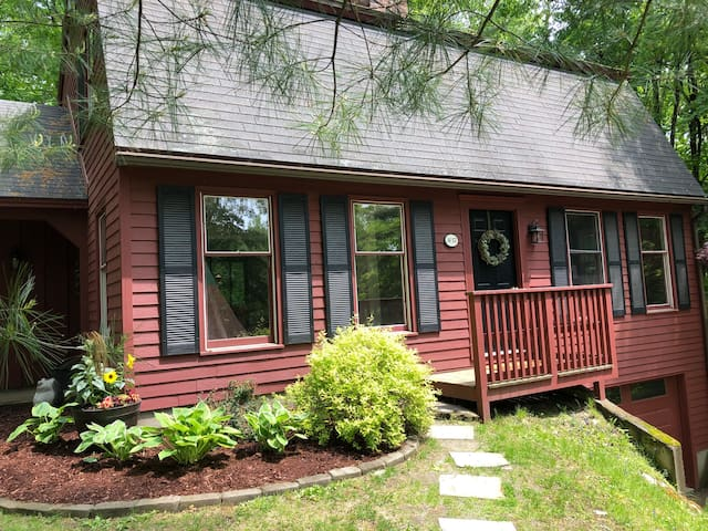 Sunny 3BR Home in Quechee, VT