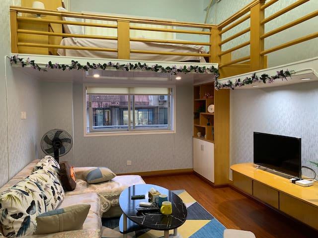 【日月同辉】北欧风格LOFT复式公寓,近火车站,南塘老街,天一广场