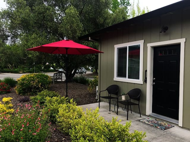 Wine Country Crossroads New Guest House