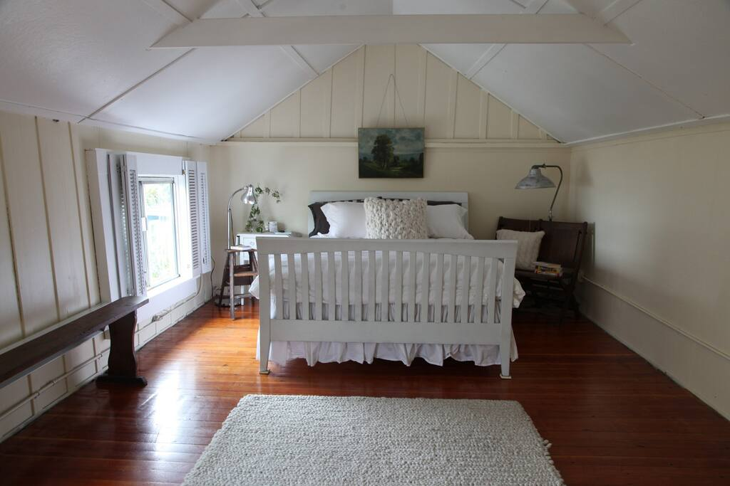 Same room but with new bed in upstairs bedroom w/ Belgian linen all white bedding & fluffy duvets