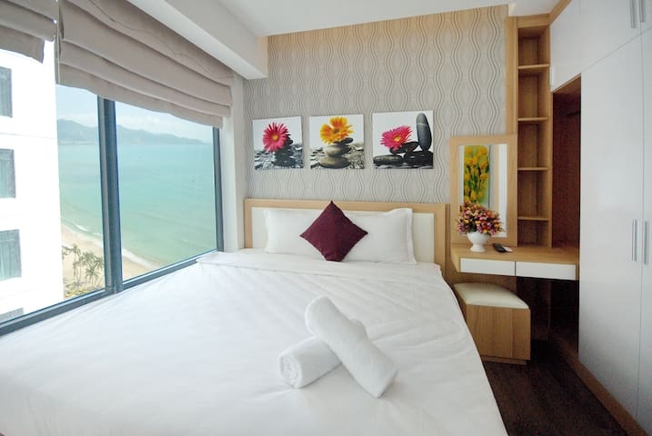 2 Bedroom + BALCONY Seaview Apartment