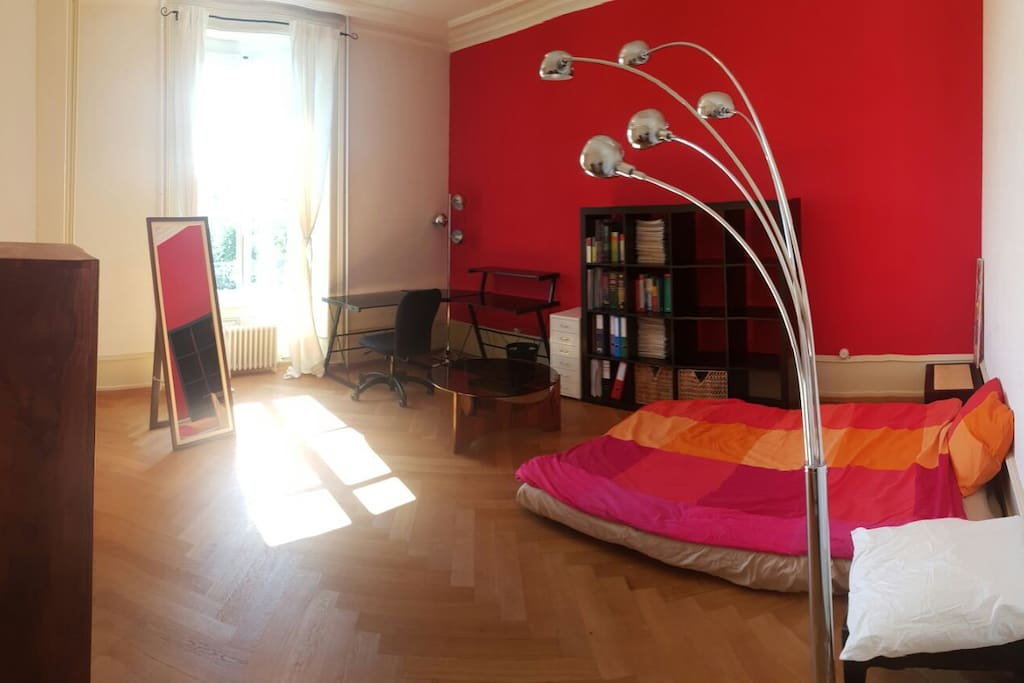 Beautiful centrally located bright room with view louer lausanne vaud suisse - Location chambre lausanne ...