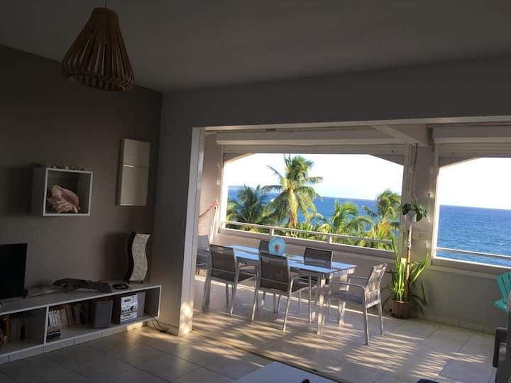 Superbe appartement F3 face à la plage