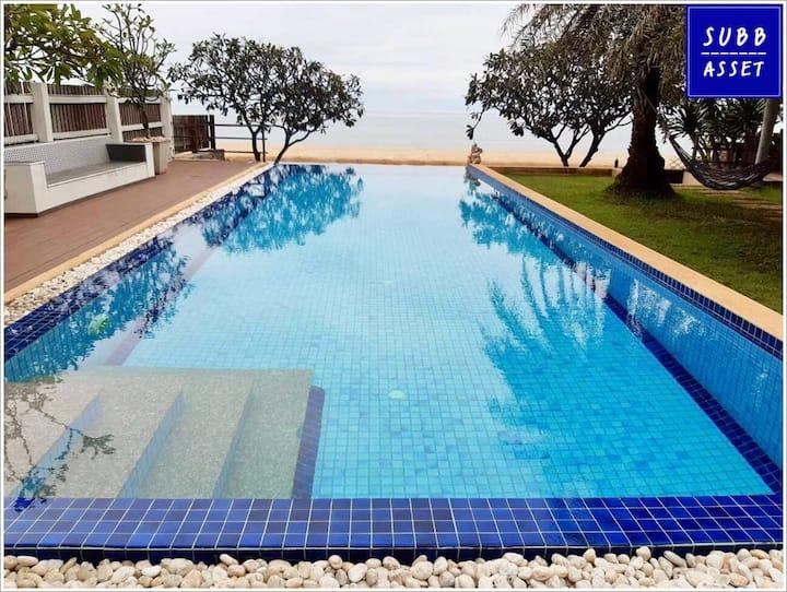 Beachfront Poolvilla for 20 Persons | Khao Kalok