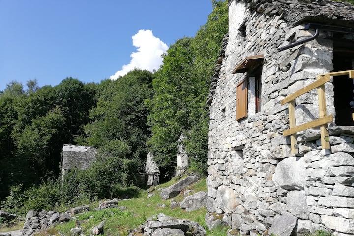 L'antica casera dei Walser - C.I.R. 10302600001