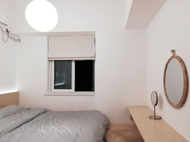 【睡眠研究所-17】市中心 上海火车站 3 4号线   单间卧室  仅租女生或情侣
