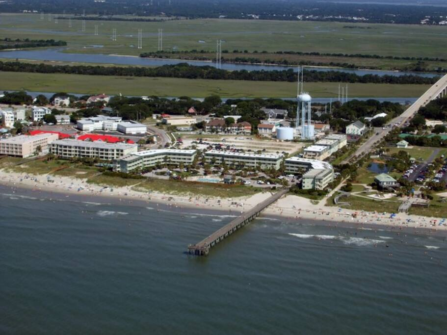 beachfront sleeps 6 fishing pier apartments for rent