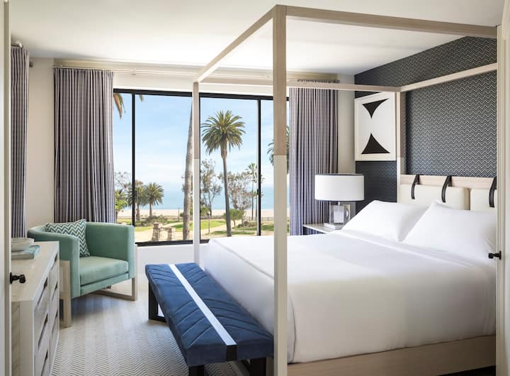 Oceana | Signature Ocean View Suite