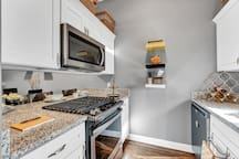 Kitchen: Stocked pantry; cookware set; George Foreman grill