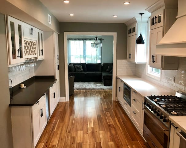 Luxury house minutes from everything NOLA!