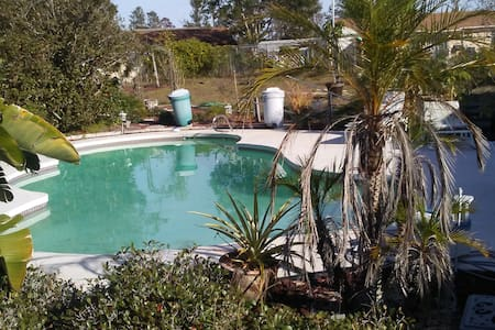 Whole House with pool and hot tub - Mims