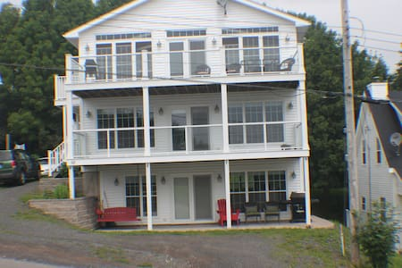 Platinum - Pictou - Condominium