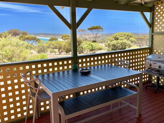 CABIN 2 - Recently renovated, peaceful sea views