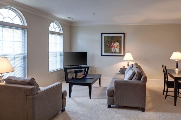 Fantastic Easton Location!-1 - Columbus - Apartment