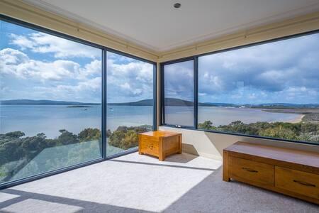 Outlook Luxury Accommodation - Bayonet Head