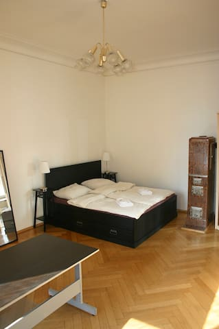 Large bedroom with 180x200 cm king-size bed with plenty of space and ...