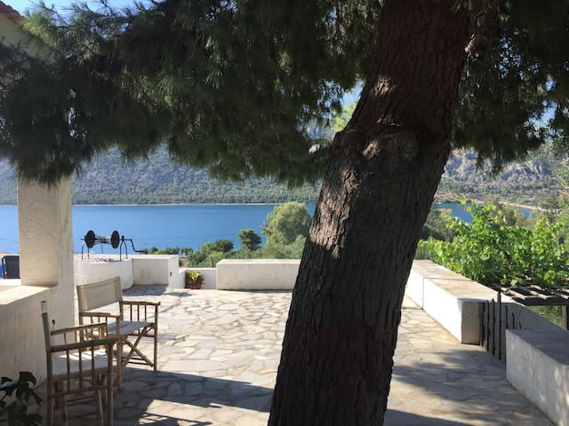 Romantic Sea-Lake Studio Heraion Loutraki