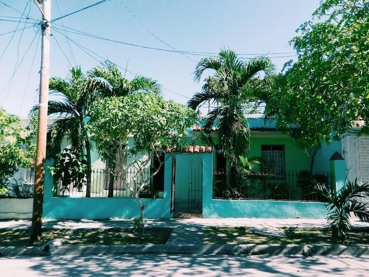 Hostel Alcides