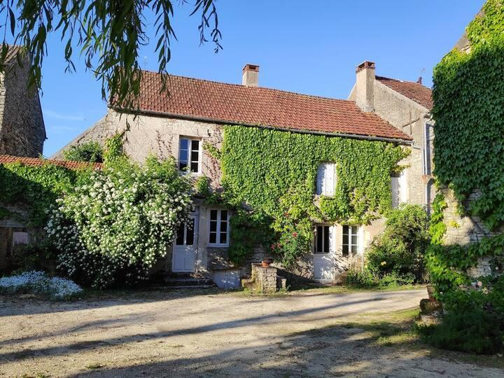 Maison aux portes du Morvan.