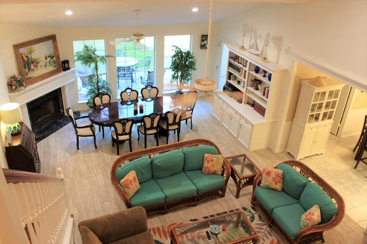 Spacious and relaxing 4-bedroom Coastal House