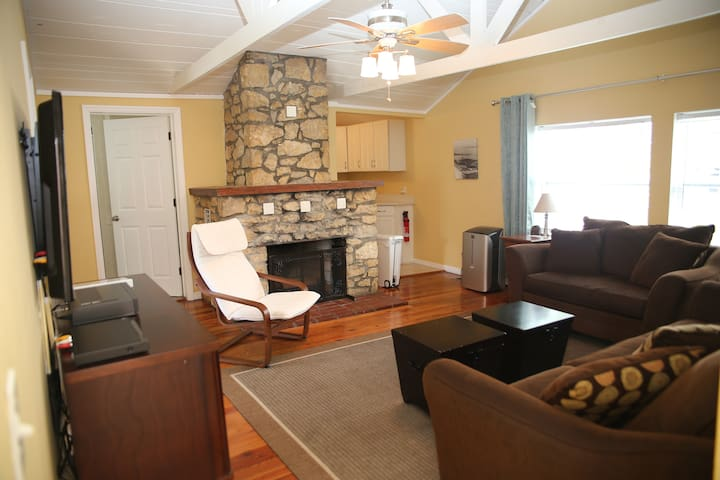 Renovated apts just a 2-minute walk to the beach!