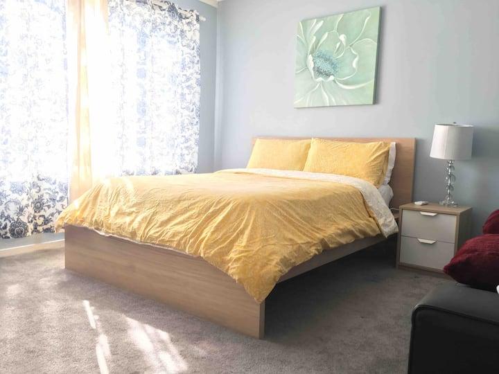 Modesto Cozy Bedroom 6 share bathroom