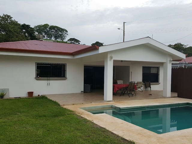 Maison privée avec piscine - tamarindo - Flat