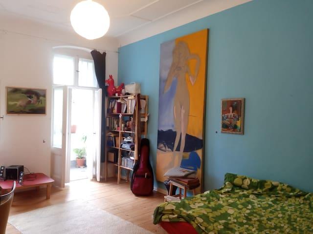 Sweet NueKolln apartment great location
